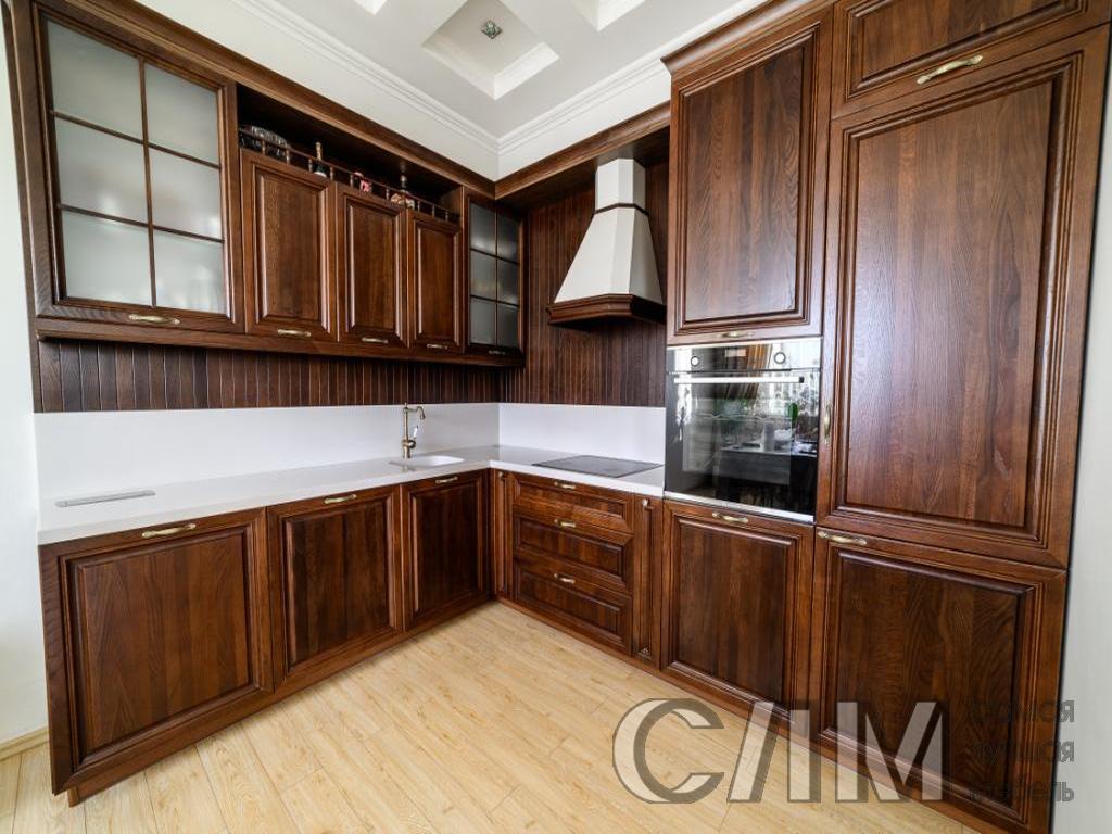 кухня угловая классическая